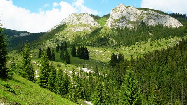 File:Mountains Romania Cluj 3.jpg