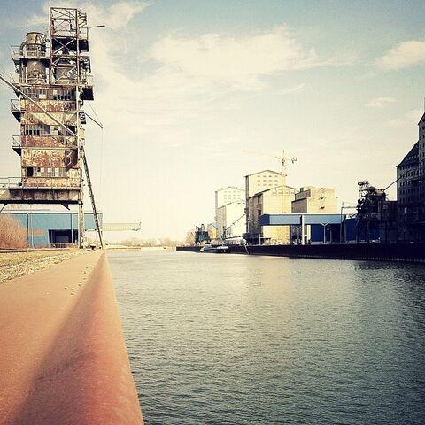 File:Hafen.jpg