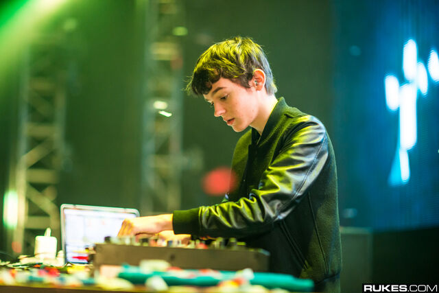 File:The Daily Madeon - August 14, 2015.jpg