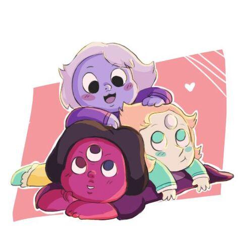File:Baby Crystal gems.jpg