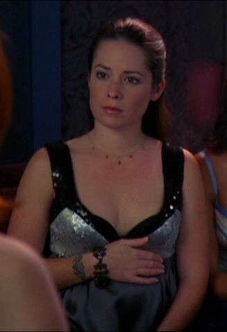 File:Holly-marie-combs-and-charmed-gallery.jpg