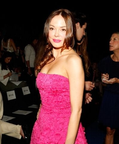 File:Fashionweek19.jpg