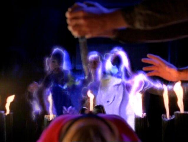 File:Charmed118 346.jpg