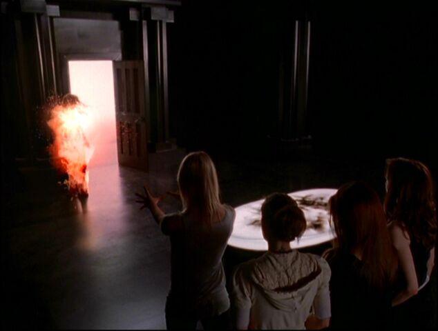 Ficheiro:Billie Deflecting Fireball.jpg