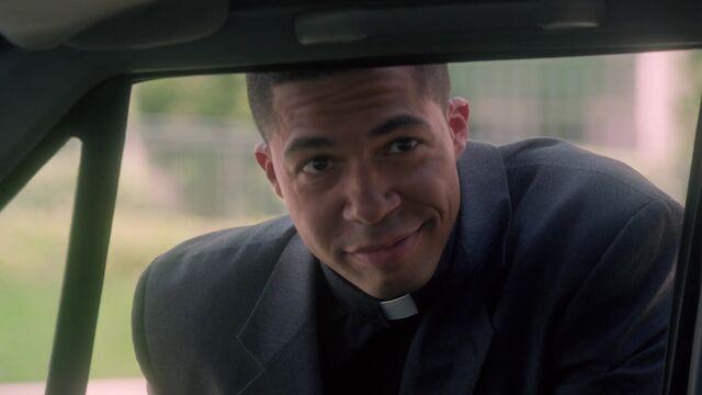 Фајл:1x02-pastor-williams-02.jpg