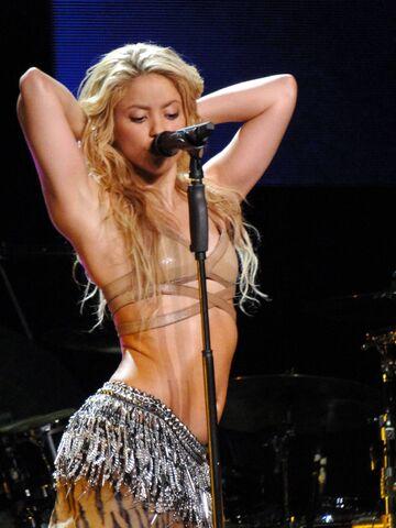 File:ShakiraTSCO-OjosAsi.jpg
