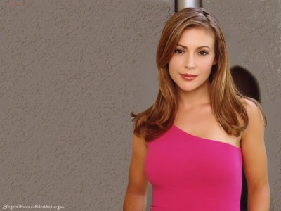 File:Alyssa Milano-Phoebe 112.jpg