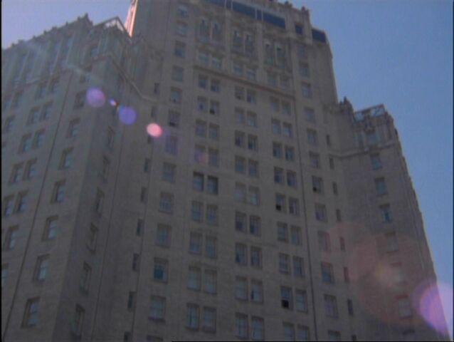 File:Cole's Penthouse.jpg