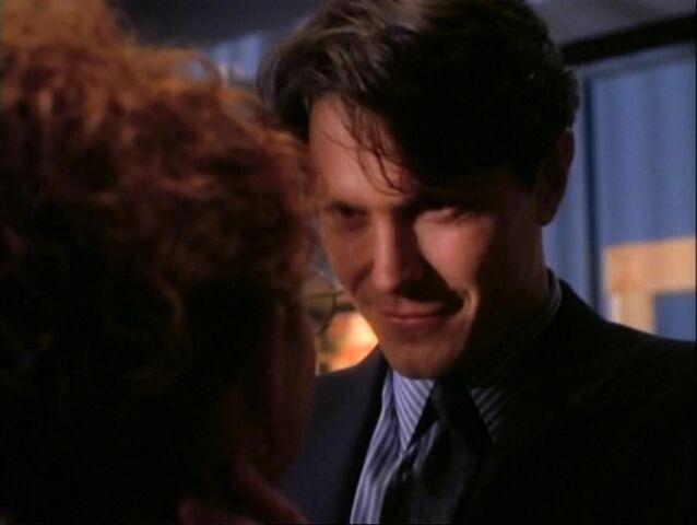 File:1x06-Rex-Hannah.jpg