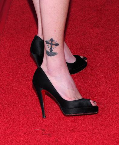 File:Shannen Doherty Tattoo.jpg