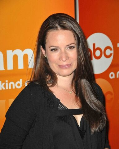 File:Holly Marie Combs 2010.jpg