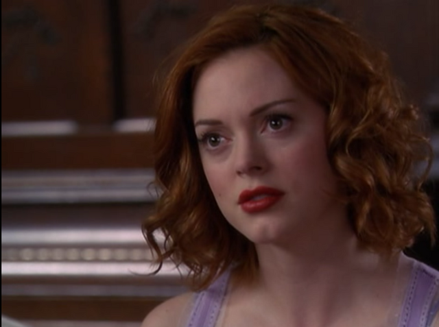 File:5x01-Paige.png