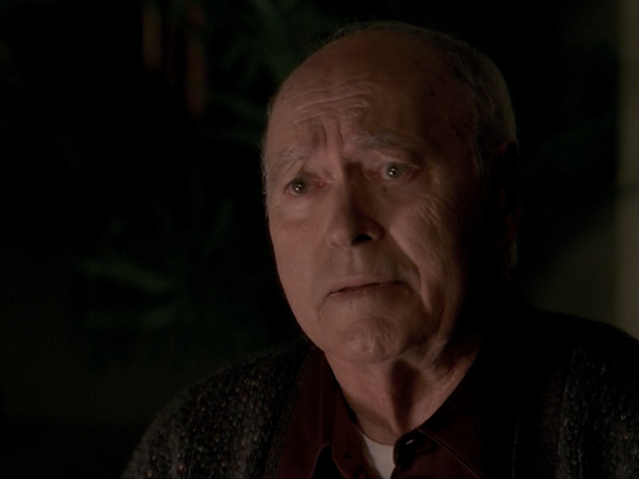 File:8x07ElderlyFather.png