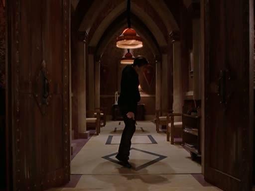 File:7x16 - drake using telekinesis on magic school doors.jpg