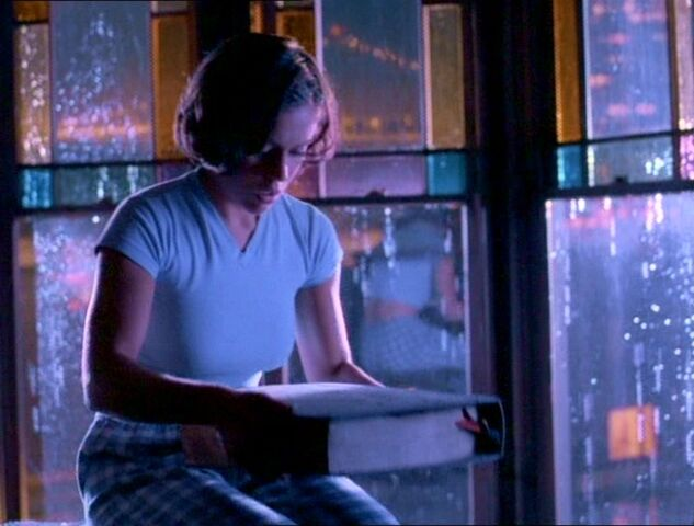 File:Phoebe BookofShadows.jpg