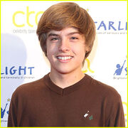 Dylan-sprouse-responds-to-nude-photo-leak-1