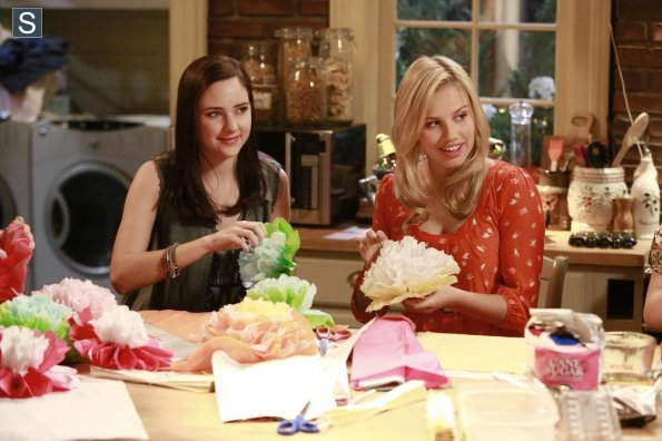 File:Chasing Life - Episode 1.09 - What to Expect When You're Expecting Chemo - Promotional Photos (3) 595 slogo.jpg
