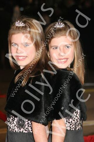 File:Courtney and Madison Fitzpatrick.jpg