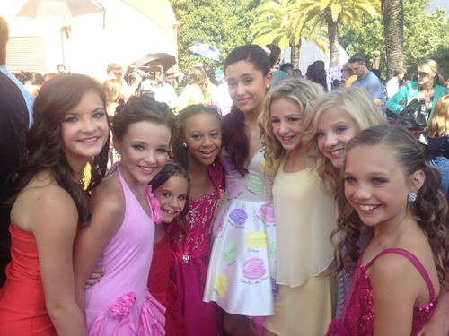 File:DanceMomsWithAriana.jpg