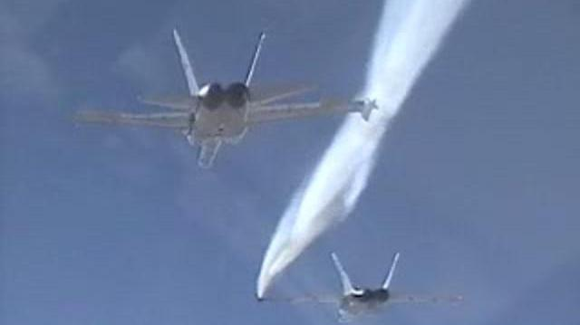 F18 wing chemtrails