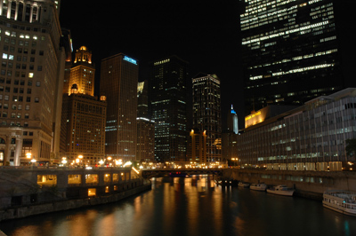File:Chicago river night.jpeg