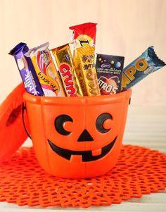 File:Halloween Candy in Bucket..jpg