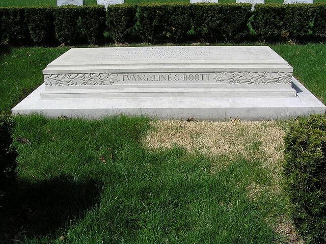 File:Evangeline C. Booth Monument 2010.JPG