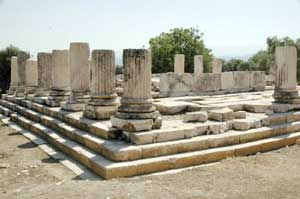 File:Hekate Sanctuary in Lagina, Turkey.jpg