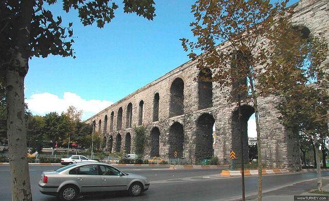 File:800px-Valens Aqueduct in Istanbul.jpg