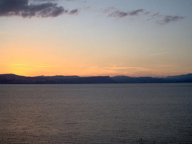 File:Kineret-sunset.jpg