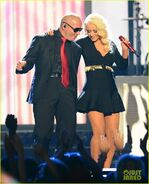 Christina-aguilera-pitbull-billboard-music-awards-2013-performance-video-03