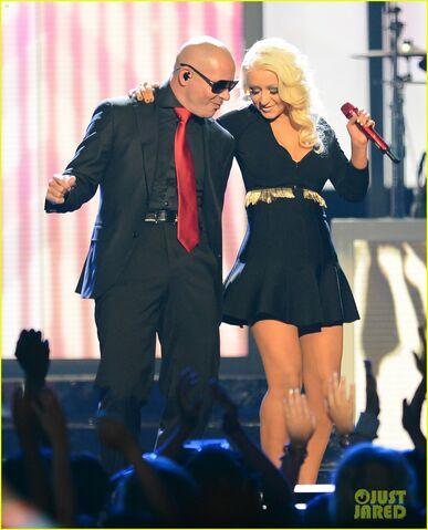 File:Christina-aguilera-pitbull-billboard-music-awards-2013-performance-video-03.jpg