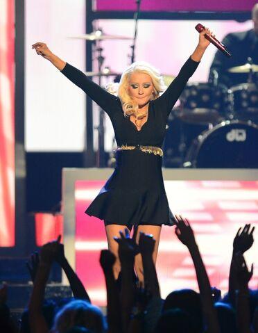 File:Christina aguilera 2013 billboard music awards in las vegas may19 3vFV0k8o.sized.jpg