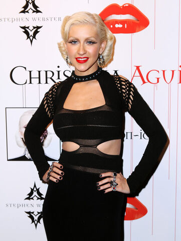File:Christina+Aguilera+Bionic+Album+Release+Party+BLginkgYpd-l.jpg