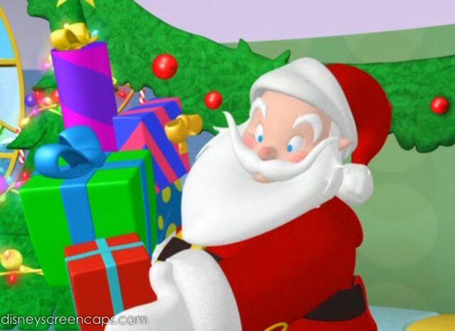 File:Mickeysanta-disneyscreencaps com-2454.jpg