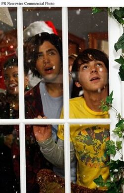 Merry Christmas Drake and Josh promotional photo