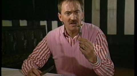 ChuckleVision 3x04 Home Helpless