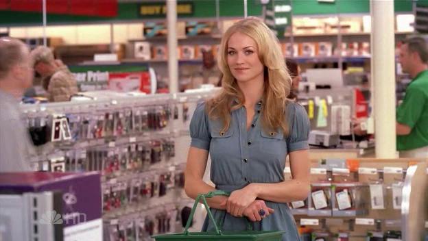 File:Sarah Buy More customer.png