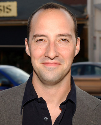 The 47-year old son of father (?) and mother(?), 185 cm tall Tony Hale in 2018 photo