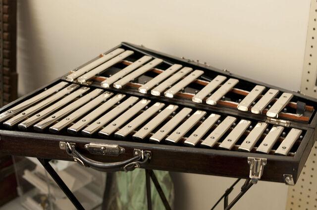 File:Glockenspiel.jpg