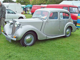 Sunbeam Talbot Ten (1939-48), Engine 1185cc S4 SV, at 2010 Catton Hall, Alrewas, Staffordshire, RK