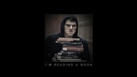 JULIAN SMITH - I'm Reading a Book