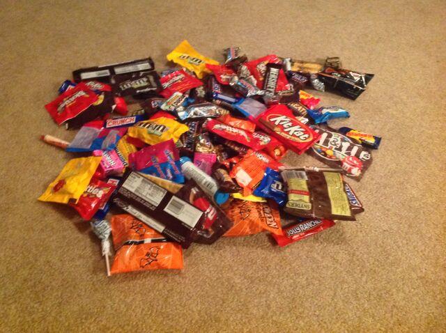 File:Candy Mmmmm.jpg