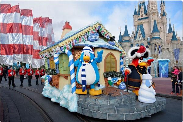 File:Rockhopper and friend at Disney World.jpg