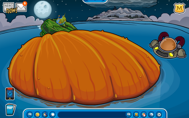 File:Iceberg (Halloween Party 2012).png