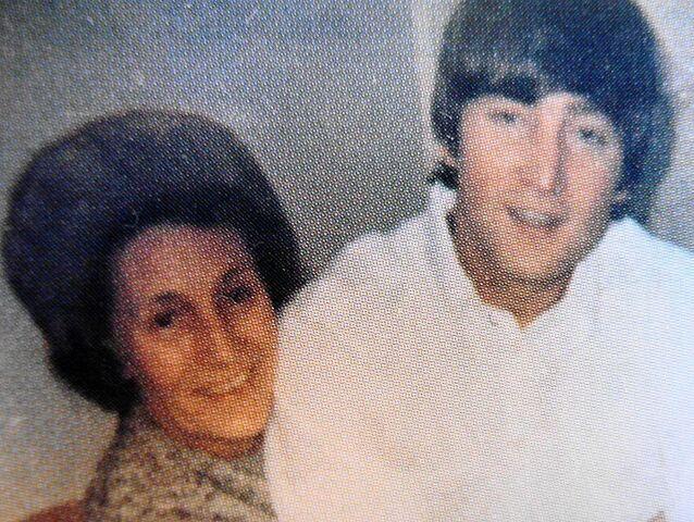 File:Mimi Smith and John Lennon.JPG