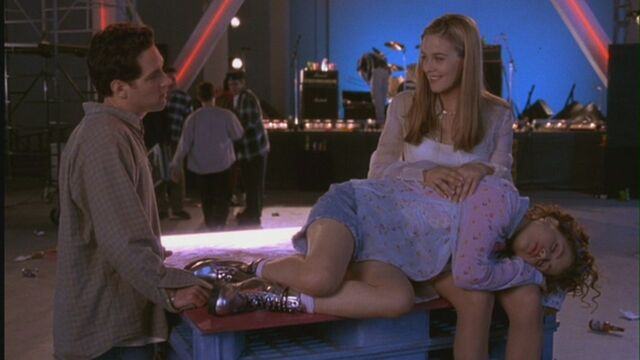 File:Cher-Josh-in-Clueless-movie-couples-20203271-1280-720.jpg