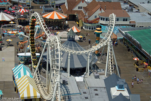 File:Sea Serpent (Morey's Piers) overhead.jpg