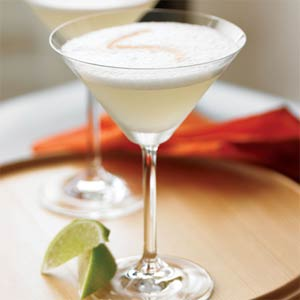 File:Pisco-sour-su-1194627-l.jpg