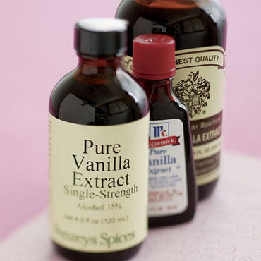 File:Vanilla extract.jpg
